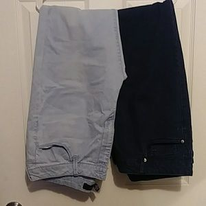 2 Pair Forever 21 Jeans Dark and light wash